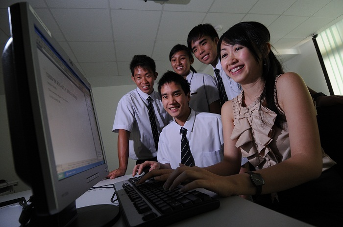 Photo: Teacher with Students